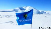 Nordpol Flagge im Eis : Pole to Paris