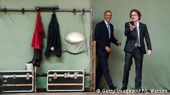 US President Barack Obama tours the Globe Theatre with Director of Education Patrick Spottiswoode (R) in London, April 23, 2016 (Photo: Getty Images/AFP/J. Watson)