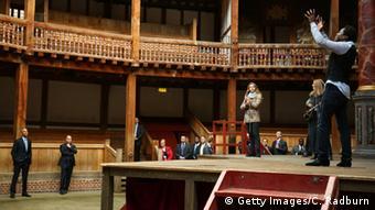 England Besuch US Präsident Obama im Globe Theatre