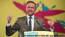 23.04.2016 Christian Lindner, FDP-Bundesvorsitzender, spricht am 23.04.2016 beim Bundesparteitag der Freien Demokratischen Partei (FDP) in Berlin. Rund 660 Delegierte diskutieren beim zweitägigen 67. Ordentlichen Parteitag der Freien Demokraten unter dem Motto Beta Republik Deutschland vor allem über die Digitalisierung der Gesellschaft. Foto: Bernd von Jutrczenka/dpa +++(c) dpa - Bildfunk+++ Copyright: picture-alliance/dpa/B. von Jutrszenka