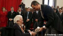 23.04.2016 Mexican writer Fernando del Paso (L) delivers a speech during a traditional ceremony where he received the Premio Cervantes literary award from Spain's King Felipe during a traditional ceremony at the University of Alcala de Henares, near Madrid, April 23, 2016. REUTERS/Javier Lizon/Pool Copyright: Reuters/J. Lizon