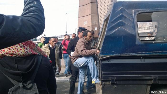 مصر: محاكمة أكثر من 200 ناشط احتجوا على اتفاقية مع السعودية