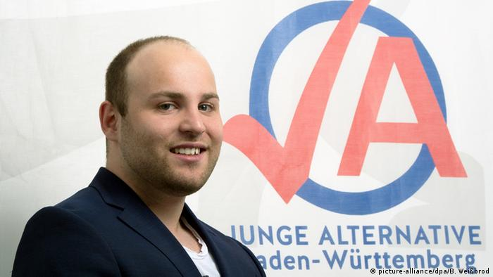 Markus Frohnmaier in Stuttgart in 2014 before his election to the German Bundestag (picture-alliance/dpa/B. Weißbrod).