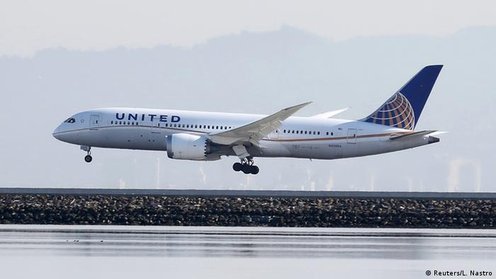 USA Boeing 787 Dreamliner der Fluggesellschaft United Airlines (Reuters/L. Nastro)