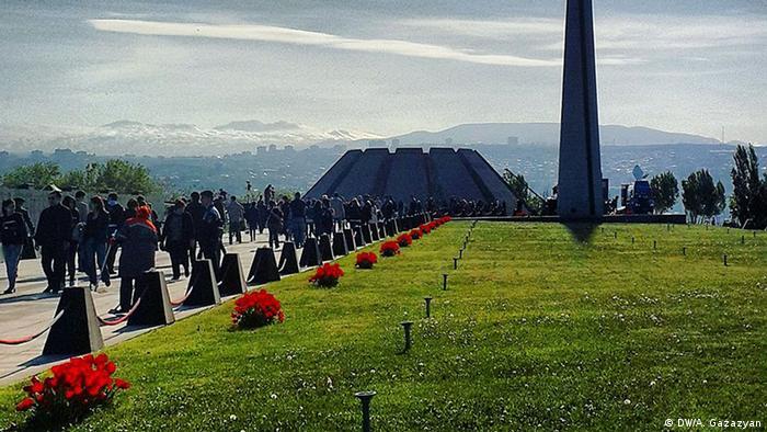 Мемориал в Ереване памяти жертв массового убийства армян в Османской империи