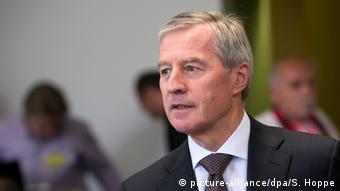 Ο συμπρόεδρος του ΔΣ της Deutsche Bank Γιούργκεν Φίτσεν. Δύσκολοι καιροί για τραπεζίτες...