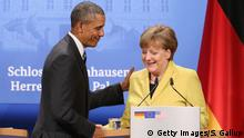 24.04.2016+++ HANOVER, GERMANY - APRIL 24: German Chancellor Angela Merkel and U.S. President Barack Obama prepare to depart after speaking to the media following talks at Schloss Herrenhausen palace on Obama's first day of a two-day trip to Germany on April 24, 2016 in Hanover, Germany. Obama is in Hanover to visit the Hanover Messe, the world's biggest industrial fair, and tomorrow will meet with other western European leaders. +++ (C) Getty Images/S. Gallup