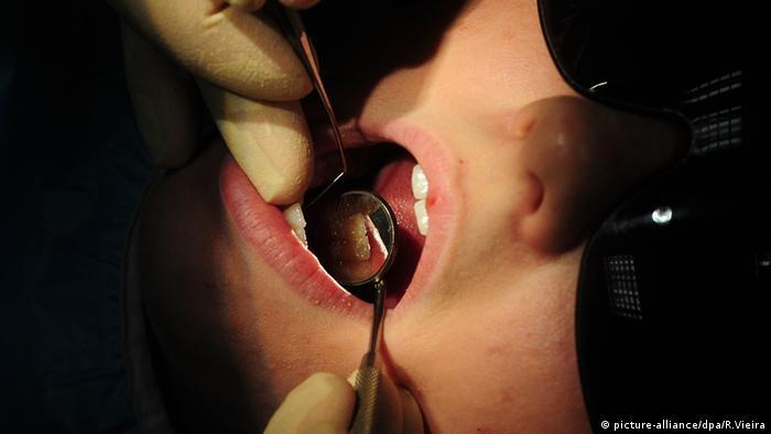 Mund Zahnarzt Kontrolle