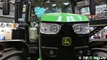 Hannover Messe John Deere (DW/Z. Abbany)