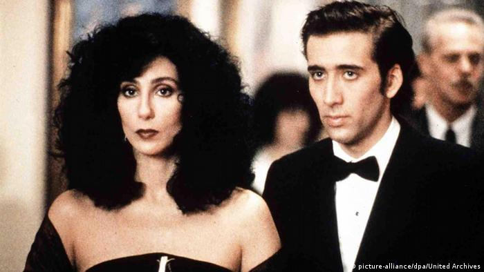 Cher and Nicolas Cage in Moonstruck, Copyright: picture-alliance/United Archives