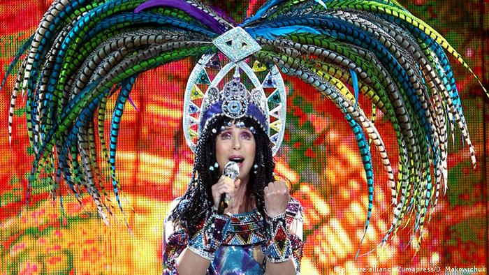 Cher performing in Calgary, Copyright: picture-alliance/Zumapress/D. Makowichuk