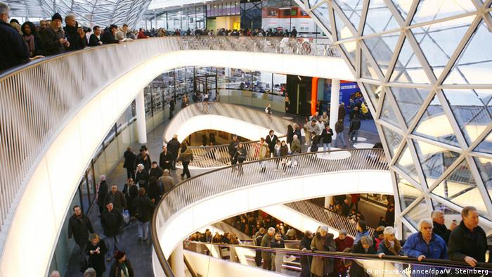 Frankfurt Shoppingcenter Myzeil innen