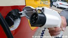 Deutschland Aufladekabel für Elektrofahrzeuge auf der Messe Leipzig