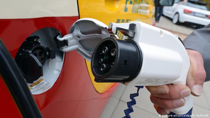 Дорогами Німеччини їздить лише 50 тисяч електромобілів