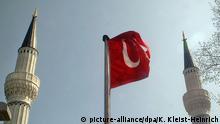 Symbolbild Islam Türkei Moschee Minarett