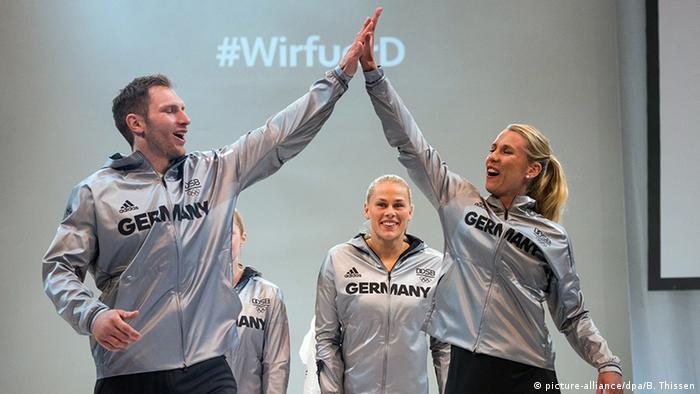 O jogador de handebol Steffen Weinhold e a jogadora de vôlei de praia Karla  Borger na 95e7431b02ed9