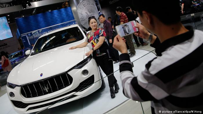 China Auto Show Peking Internationale Automobil Ausstellung 2016 Maserati SUV Levante