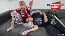 DEUTSCHKURSE | Bandtagebuch Staffel 2 | Männer und Frauen | Folgenbild mit Logo