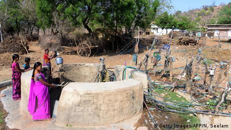 Indien Telangana Trockenheit Wassermangel Brunnen
