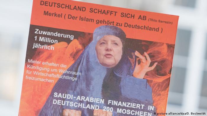 Deutschland Hamburg Plakat der AfD Ausschnitt (picture-alliance/dpa/D. Bockwoldt)