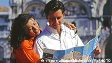 Italien Verliebtes Paar in Venedig am Markusplatz
