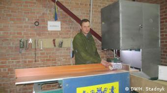 Учасник бойових дій Іван Заставний працює у реабілітаційно-виробничому центрі Патріот