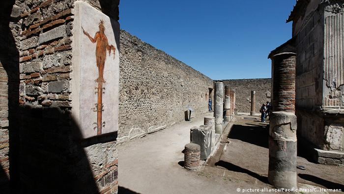 Italien Pompei Isis Tempel nach Restaurierung (picture-alliance/Pacific Press/C. Hermann)