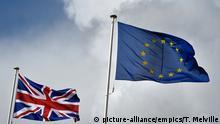 Flaggen EU und Großbritannien Symbol Brexit
