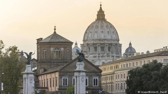 Italien Petersdom (Imago/Broker/C. Handl)