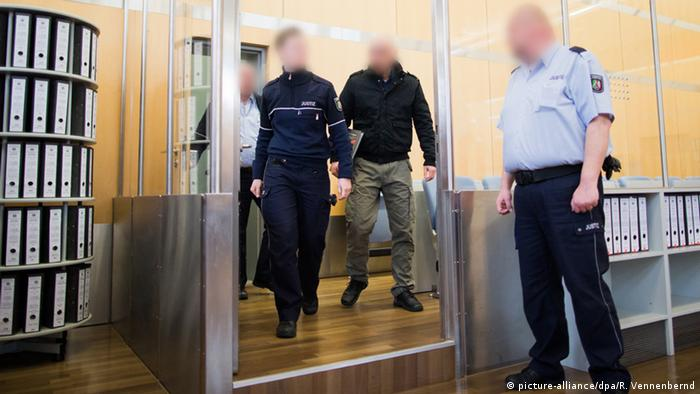Düsseldorf Prozess Attentat auf Kölner OB-Spitzenkandidatin Henriette Reker (picture-alliance/dpa/R. Vennenbernd)
