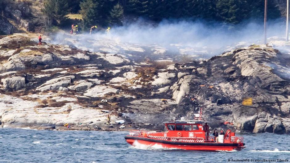 При крушении вертолета в Норвегии погибли 13 человек | Новости из Германии о Европе | DW | 29.04.2016