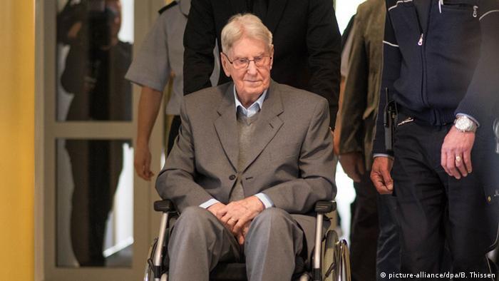 Ex-guarda do campo de concentração de Auschwitz Reinhold Hanning pede desculpas às vítimas