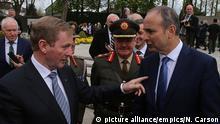 Irlands Regierungschef Enda Kenny (links) und Fianna Fáil-Chef Micheal Martin bei einer Gedenkfeier