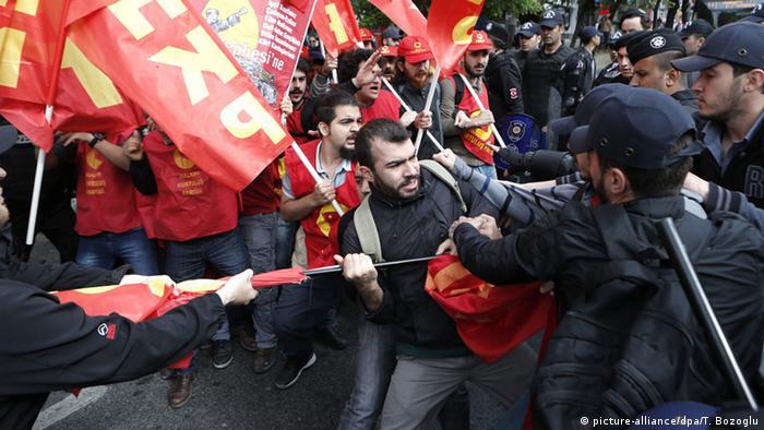1 Mayıs gösterilerine Taksim'de Polis müdahalesi