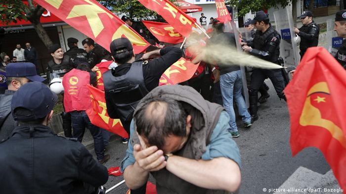 Беспорядки на первомайской демонстрации в Стамбуле