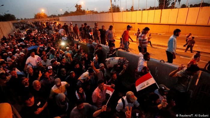 Irak Bagdad Al-Sadr Anhänger verlassen Grüne Zone