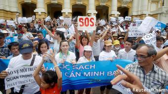 Vietnam Proteste in Hanoi gegen Fischsterben