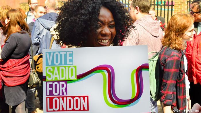 Campaigners for Sadiq Khan (photo: DW/J. Macfarlane)