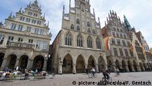18.05.2015 *** Das historische Rathaus am Prinzipalmarkt fotografiert am 18.05.2015 in Münster (Nordrhein-Westfalen). Foto: Friso Gentsch/dpa Copyright: picture-alliance/dpa/F. Gentsch