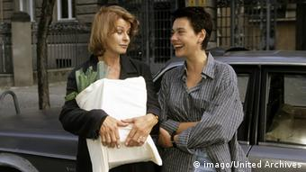 Still from film 'MammaMia' with Senta Berger and Christiane Paul (imago/United Archives)