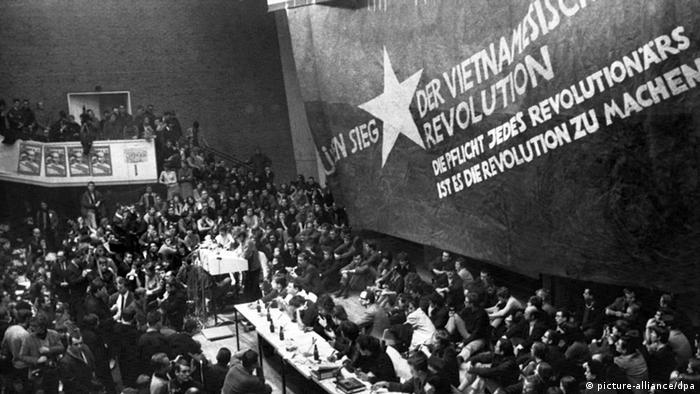 Manifestaţie studenţească împotriva războiului din Vietnam, Berlinul de vest, 1968