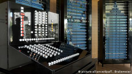 Ein Nachbau des Z3 von Konrad Zuse, des Erfinders der ersten programmierbaren Rechenmaschine (Foto: picture-alliance/dpa/T. Brakemeier)