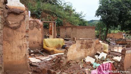 Casa destruída pela lama da Samarco em Bento Rodrigues, Minas Gerais