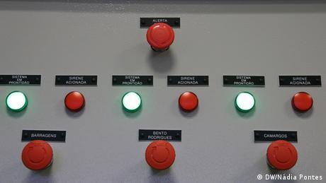 Sistema de alerta instalado na sala de monitoramento da Samarco.