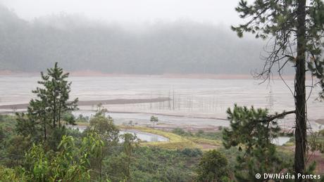 Vista parcial da barragem Germano, primeira a ser construída no complexo da Samarco, na década de 1970.