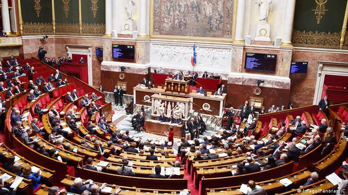 Frankreich Fragestunde in der Nationalversammlung (Imago/PanoramiC)