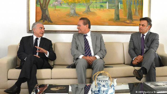Temer, Renan e Aécio em Brasília: delação do senador Delcídio Amaral começou a gerar primeiros efeitos legais