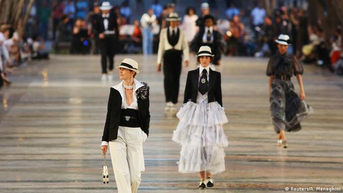 Показы мод Chanel в Гаване