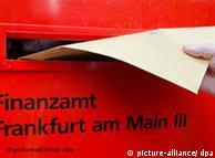 Buzón de la oficina recaudadora de Frankfurt. Foto de archivo.
