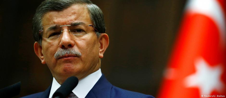 O primeiro-ministro Ahmet Davutoglu: ele será provavelmente substituído por um nome mais leal a Erdogan